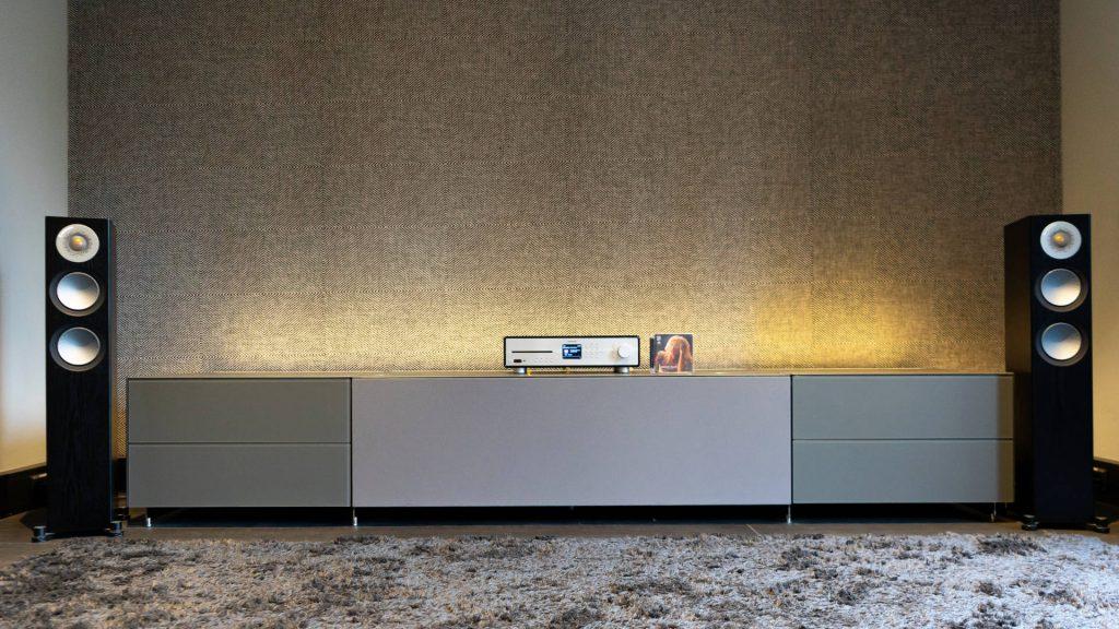 Sonoro Maestro mit Monitor Audio Silver 200