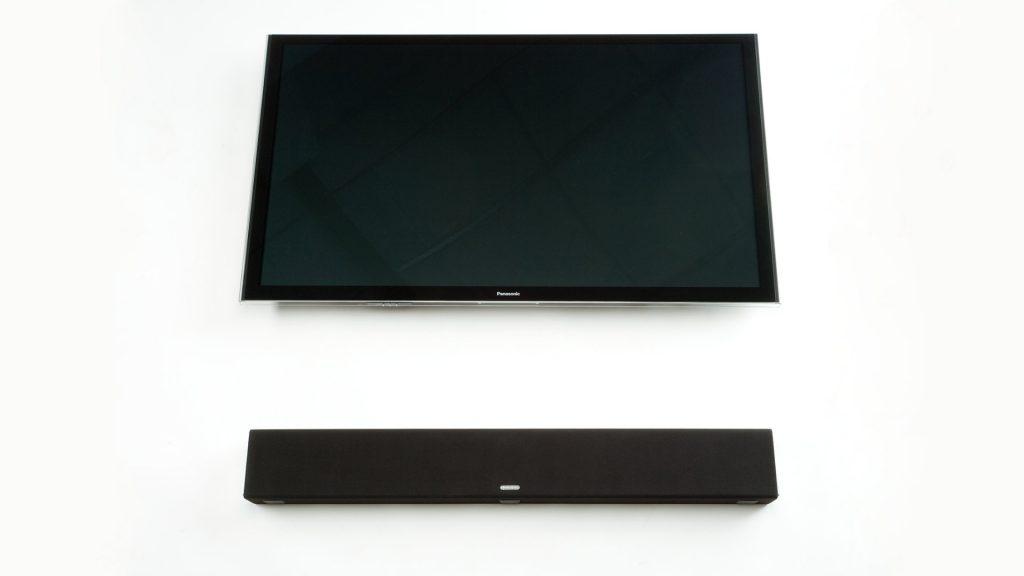 Monitor Audio Soundbar SB-2 mit Fernseher