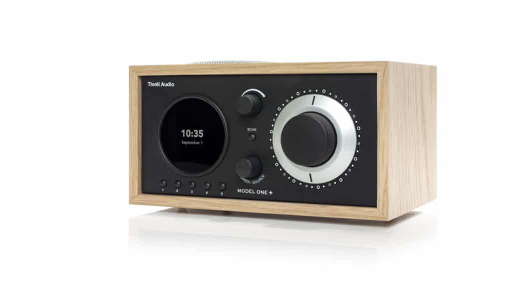 Tivoli Audio Model One+ rechts in Eiche-Schwarzjpg
